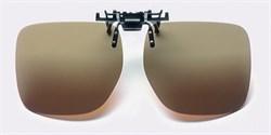 Насадка на солнцезащитные очки с поляризационными коричневыми светофильтрами на клипсе Polarised clip-on sunglasses, светопропускание 15%, категория 3, не подходят для водителей - фото 6423
